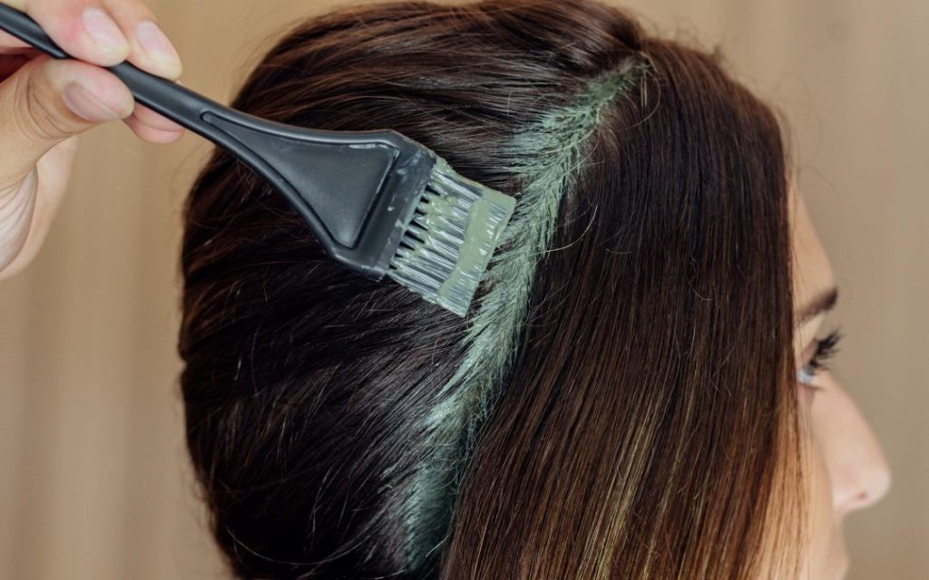 aplicação nos cabelos