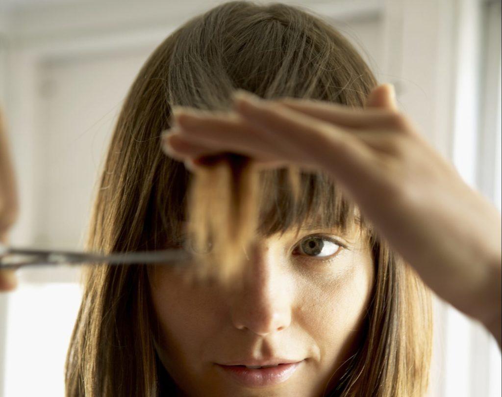 corte de cabelo sozinha