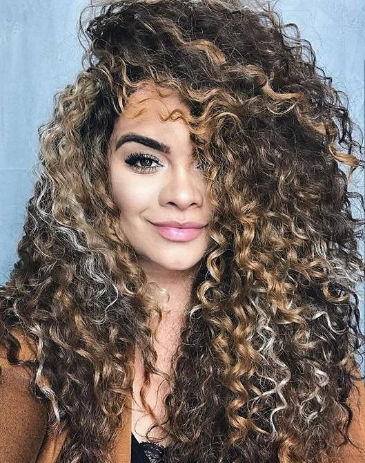mega hair cacheado mechas