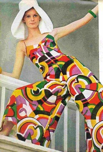 macacão colorido anos 60