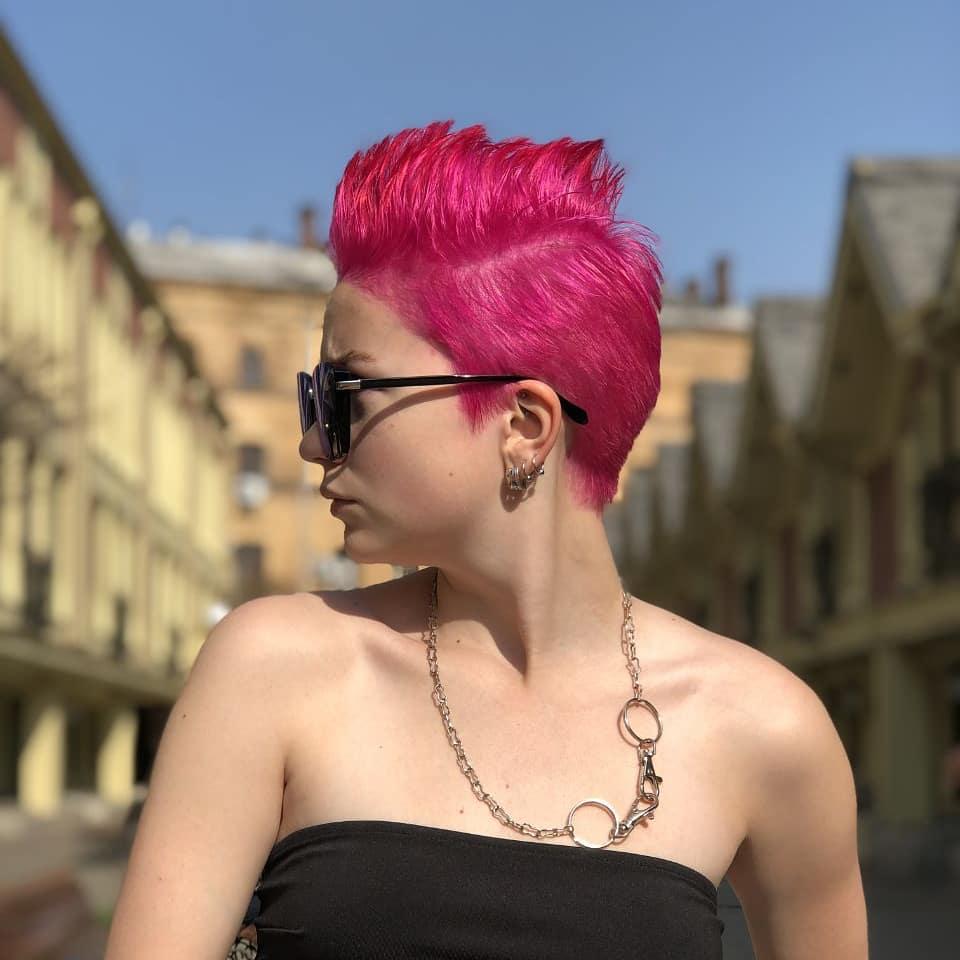 cabelos coloridos rosa