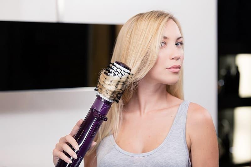 alisando o cabelo