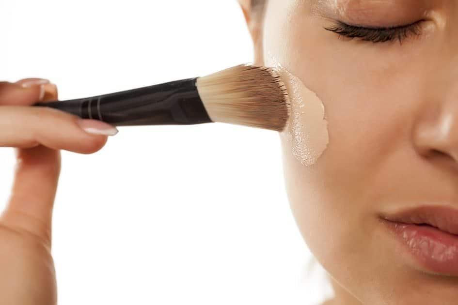 como escolher a melhor base para a pele oleosa