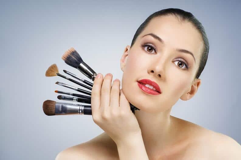 utensílios para a maquiagem